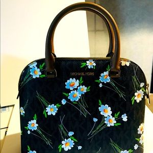 NWT MICHAEL KORS CINDY DOME FLORAL SATCHEL NEW